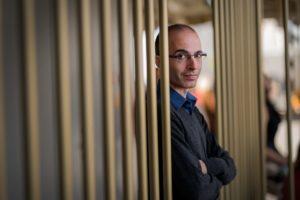 Read more about the article Juval Noa Harari: Čovečanstvu nedostaju lideri u borbi protiv koronavirusa